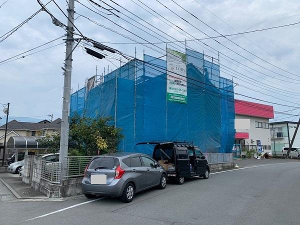 長野県塩尻市 外壁塗装・付帯部塗装 足場の設置~養生まで 飛散防止ネットの役割
