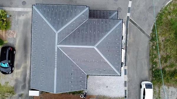 長野県塩尻市 屋根工事 無料現場調査 ドローン 大屋根と下屋の劣化